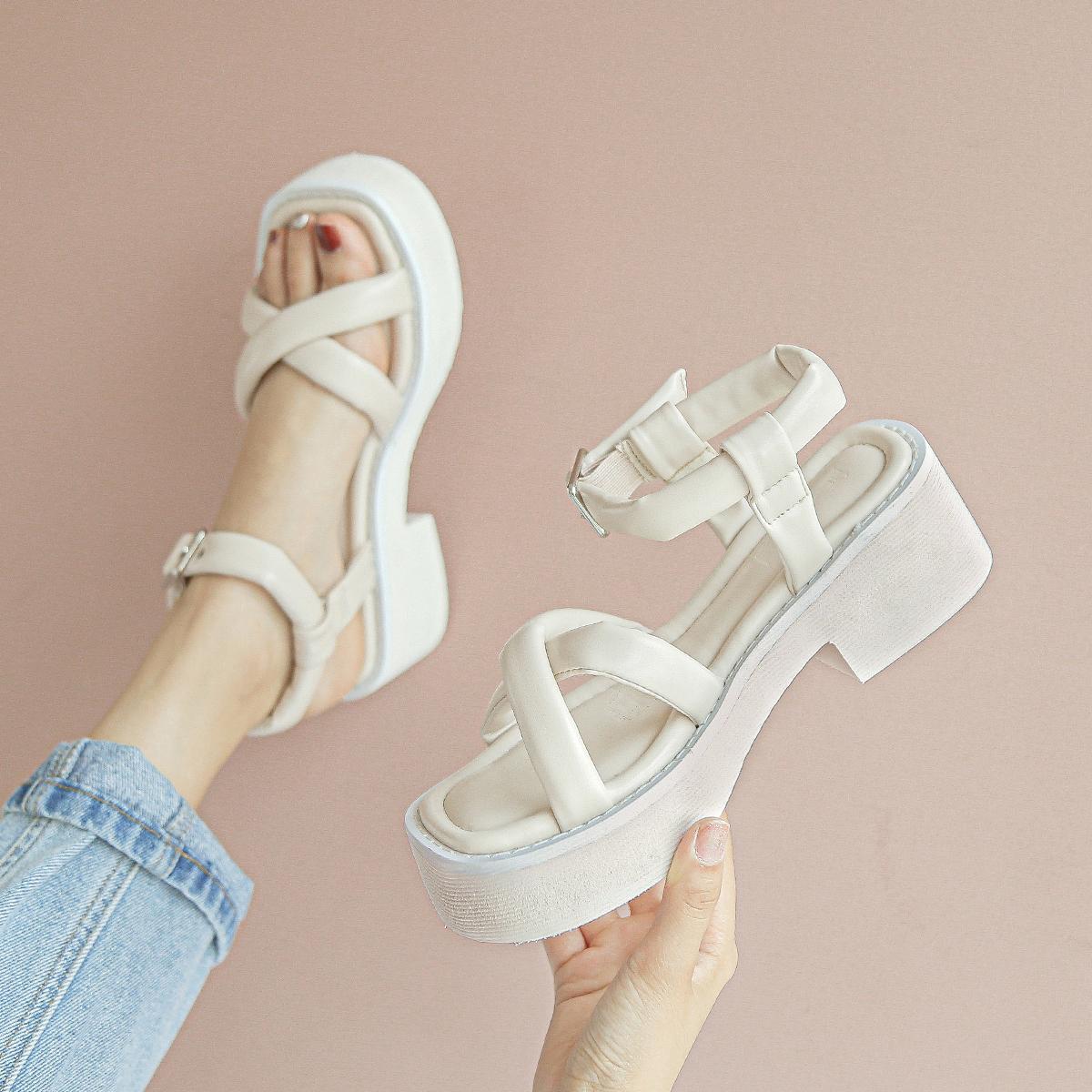 【新品价 118元】2020新款凉鞋女夏季厚底时装百搭松糕底女罗马鞋