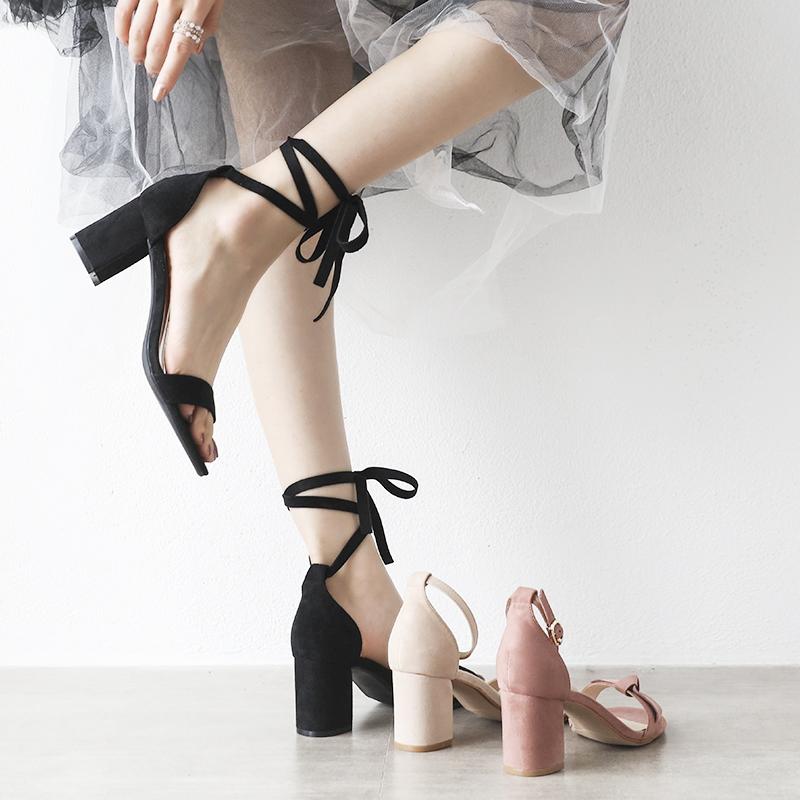 小ck绑带凉鞋女中跟两穿仙女风粗跟202019夏新款黑色一字带高跟鞋图片