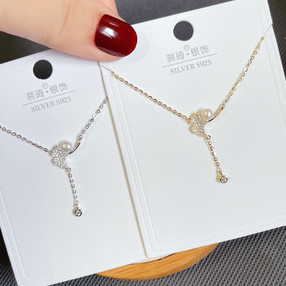 Muqi silver jewelry whole body S925 Sterling Silver micro inlaid zircon pearl ginkgo leaf small and exquisite clavicle necklace for women