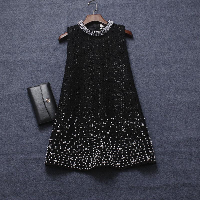 木木2020冬季新款女装 重工钉珠圆领A字型显瘦毛呢背心连衣裙