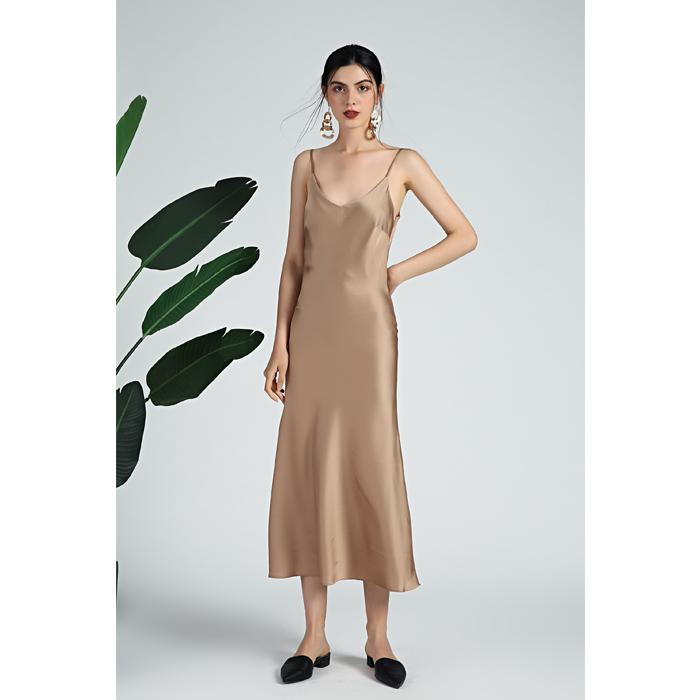 蔻玛时尚女纯色法式露背裙v领丝质缎面斜裁吊带连衣裙打底裙礼服