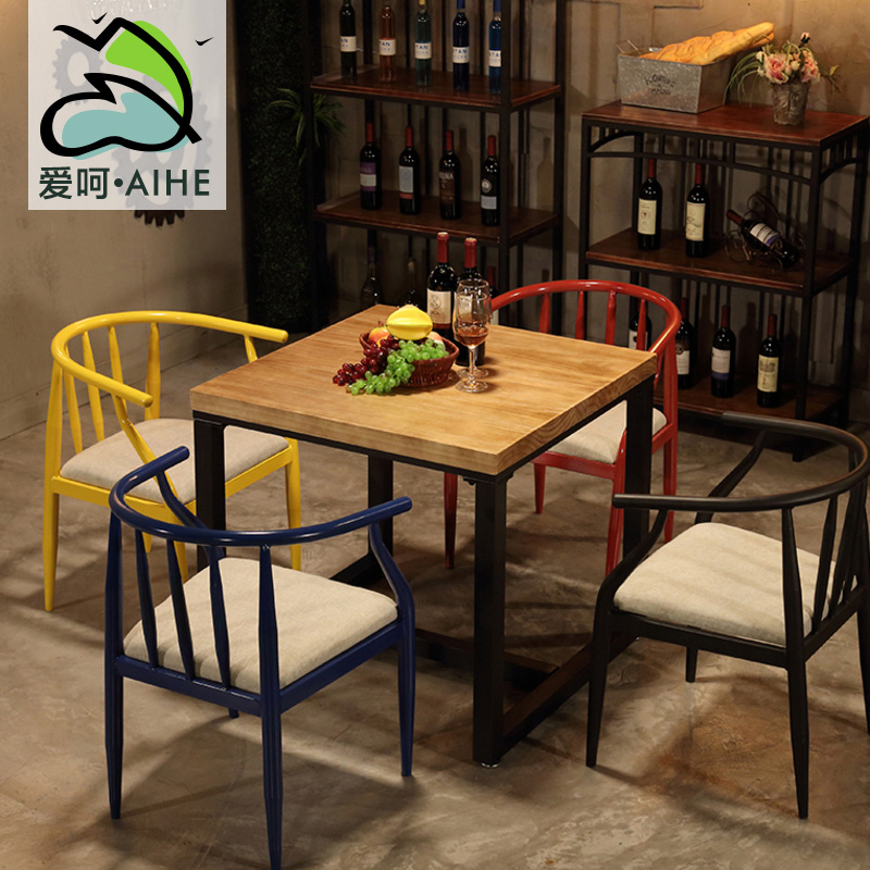 Северный небольшой квадратный обеденный стол и стол для ужина