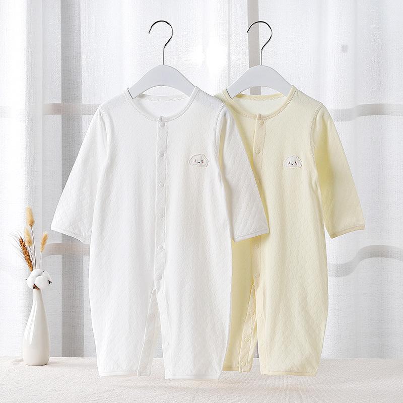春夏の薄い赤ちゃんの服装の純綿の赤ちゃんの連体の服の0-2歳の赤ちゃんのパジャマの夏の綿の赤ちゃんのエアコンの服