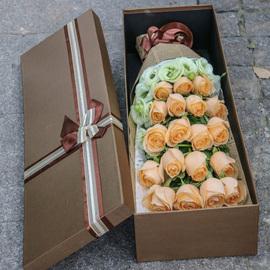 哈尔滨鲜花速递同城33朵红粉香槟玫瑰花束礼盒长春沈阳生日送花店