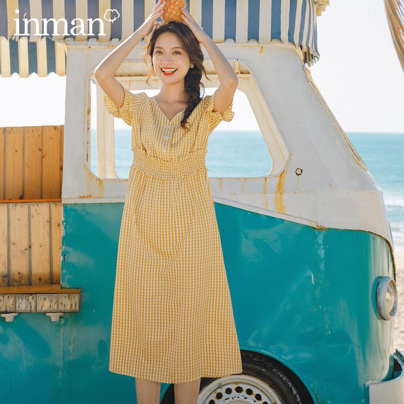 茵曼旗舰店格子连衣裙2021夏装新款v领法式小众复古收腰显瘦长裙