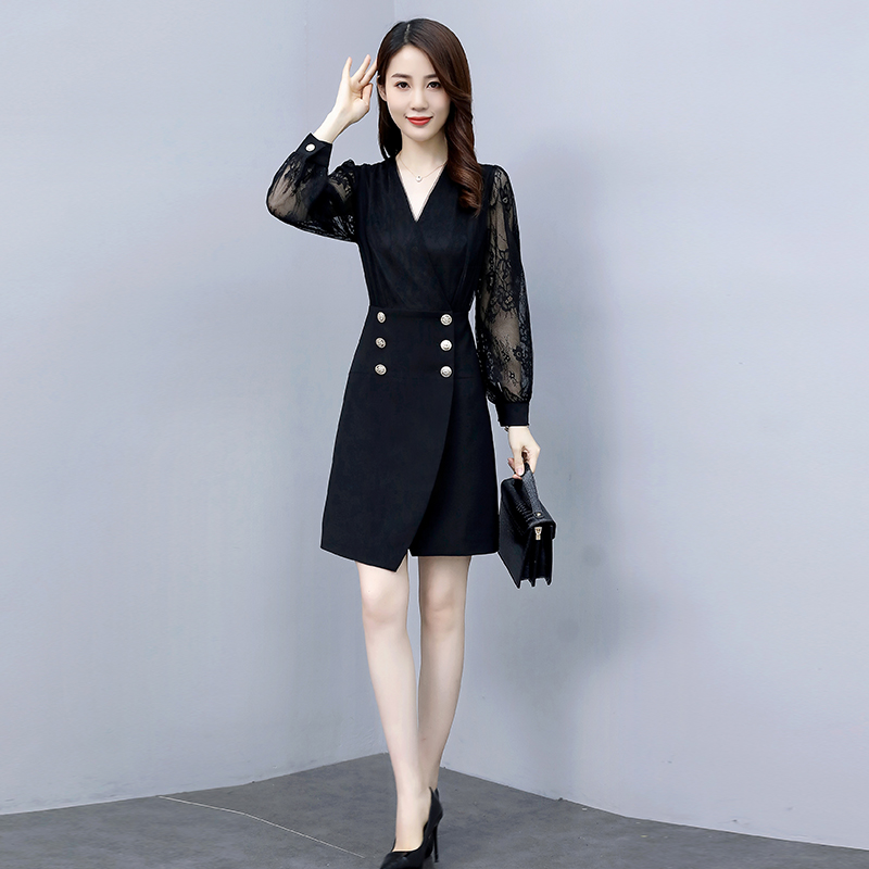 Autumn 2020 new fashion style with thin waist and V-neck dress and lace long sleeve dress