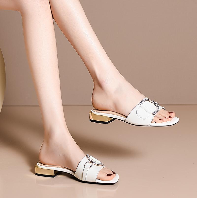 格尔贝丝真皮拖鞋女外穿低跟一字拖2020夏季新款平跟白色大码凉拖