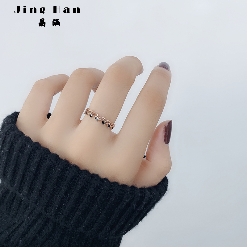 Japan and South Korea individuality Chaoren leaf ring female titanium steel index finger ring 18k rose gold simple student Sen Department ins net red
