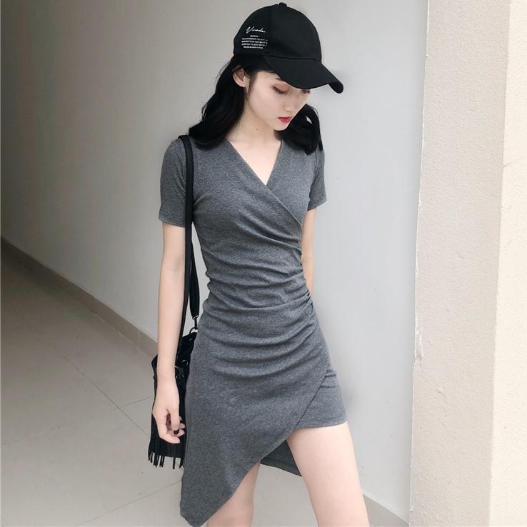 2018夏季新款修身显瘦不规则包臀裙子气质纯色V领短袖连衣裙女装