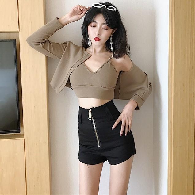 2018秋装新款V领吊带+短款外套上衣+高腰短裤三件套时尚套装女装