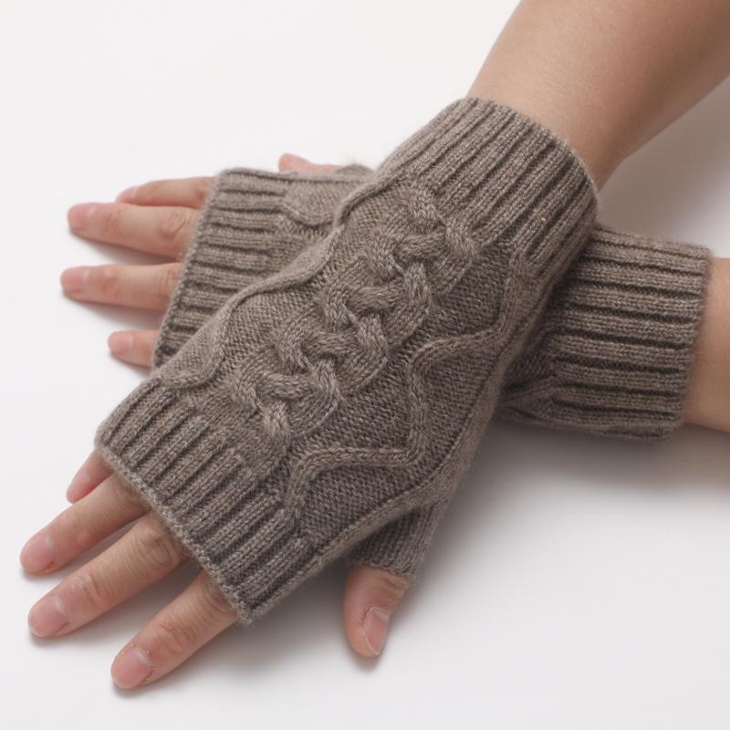 防寒小物!純粋な手編みの紫の絨のしぼり模様のカシミヤのメリヤスは指の半分が秋冬保温する手袋を指します。