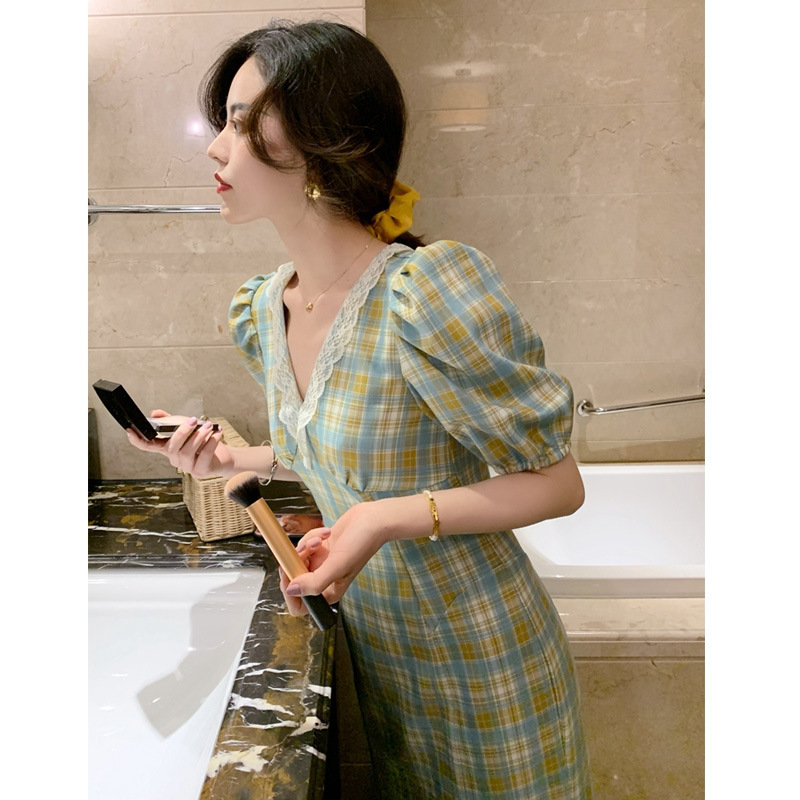 Green Plaid Dress women spring and summer 2020 new French retro girl medium long slim skirt can be hair substitute