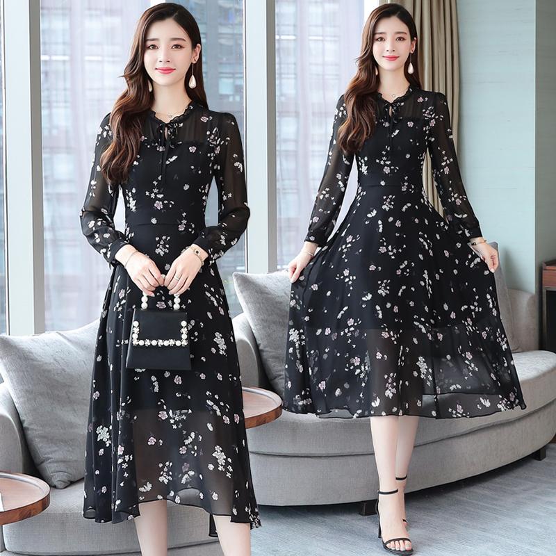 雪纺碎花连衣裙女装2019年新款潮有气质的遮肚子显瘦高端春秋裙子