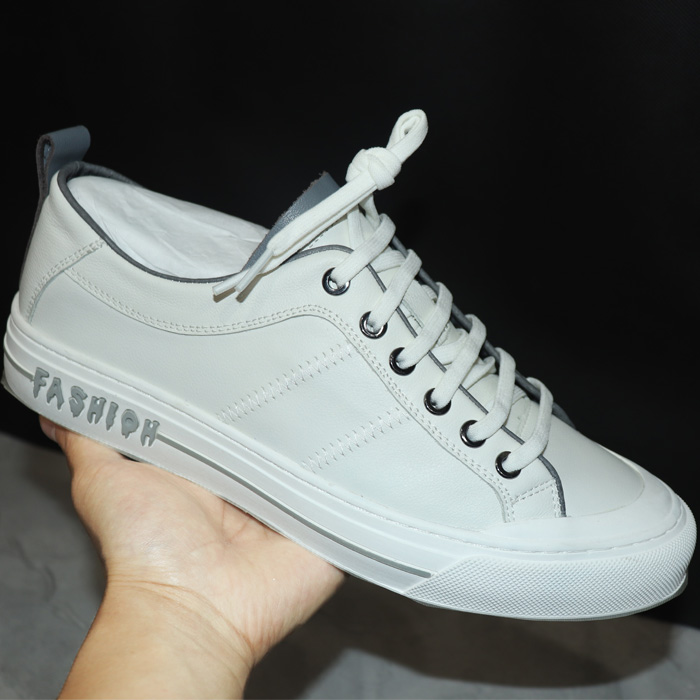 2020 youth trend Sichuan carving adhesive shoes summer mens leisure binding top layer leather small white heel broken size
