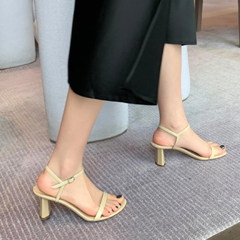 小CK凉鞋女2020春夏新款高跟鞋仙女风学生一字带时尚粗跟露趾女鞋图片