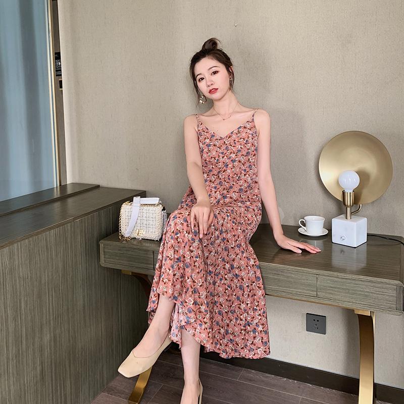 裙子仙女超仙森系2020新款夏季碎花吊带连衣裙女法式雪纺长裙显瘦