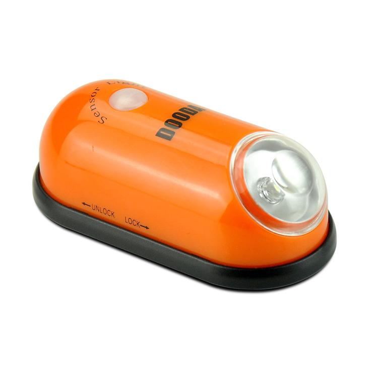 人體感應燈小夜燈櫥櫃燈樓道衣櫃led光控節能 床頭燈電池多達