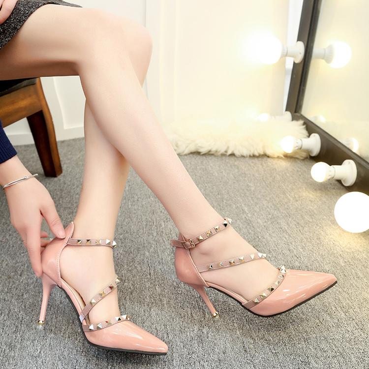 裸色优雅柳钉高跟鞋春17新款百搭细跟铆钉尖头凉鞋女浅口漆皮单鞋(非品牌)