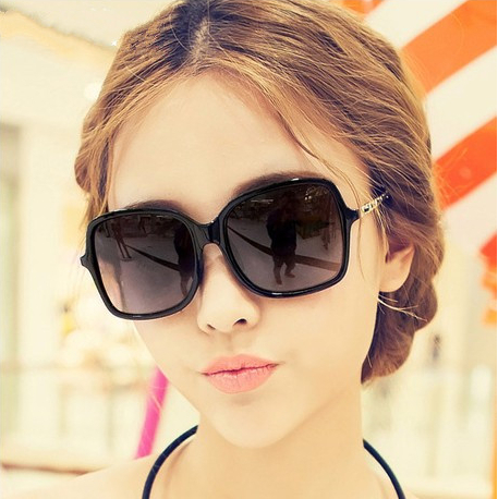 2017 big brand Polarized Sunglasses female Chain Leather driver can be equipped with myopia Sunglasses