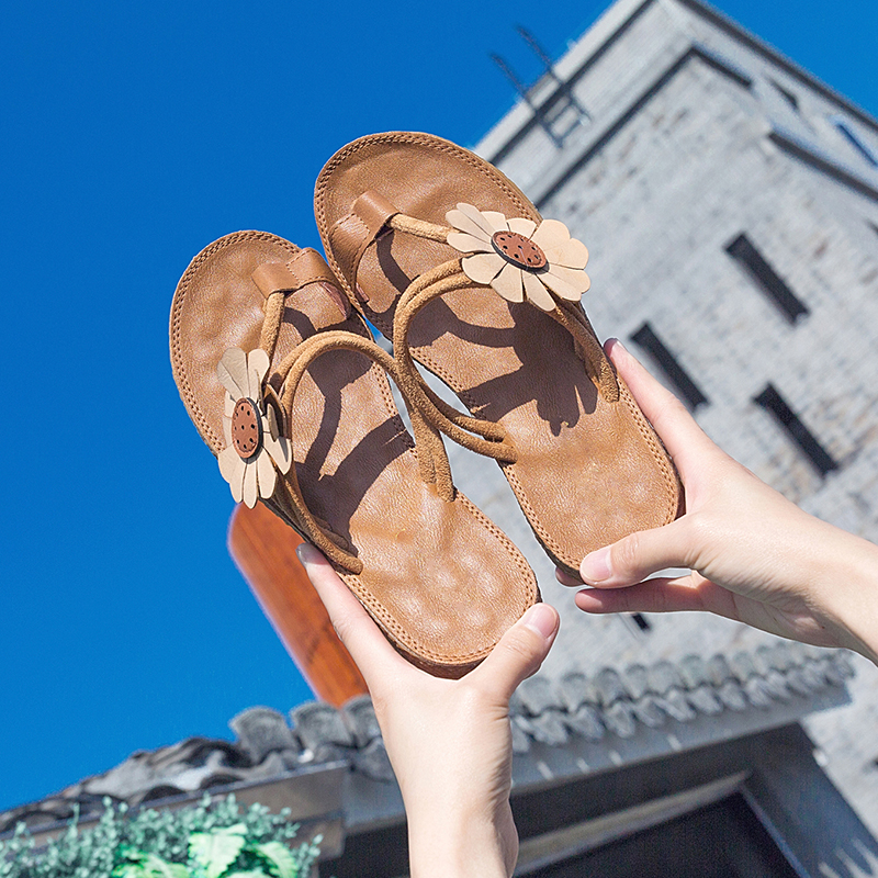 Bohemian style 2018 new summer flat bottom clip toe Roman sandals for female students and pregnant women