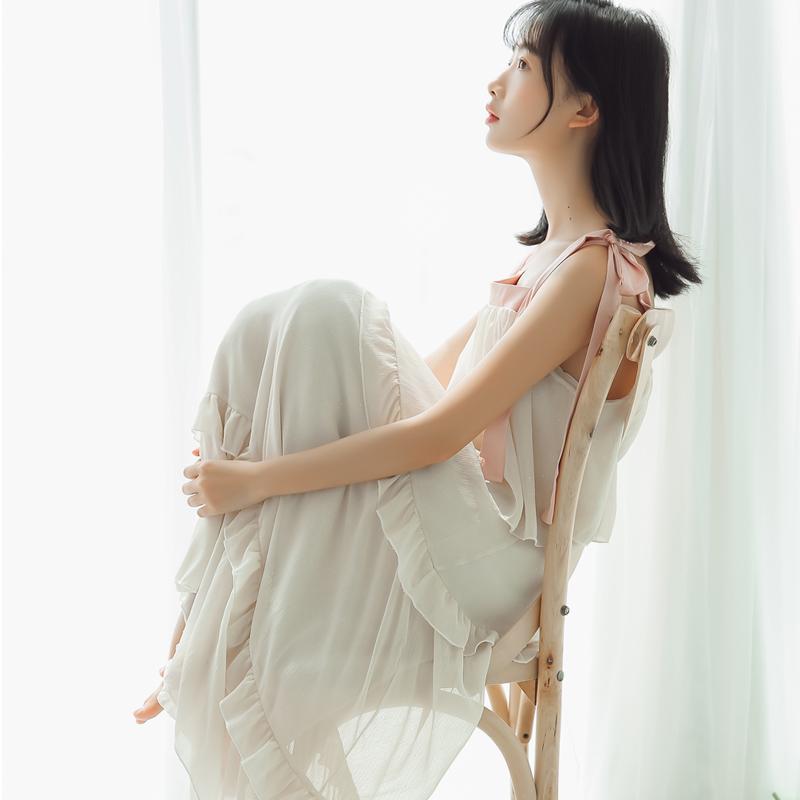 定价不低于95视频大图都有现货实拍烫金雪纺连衣裙