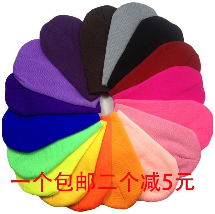 Однотонная трикотажная шапка