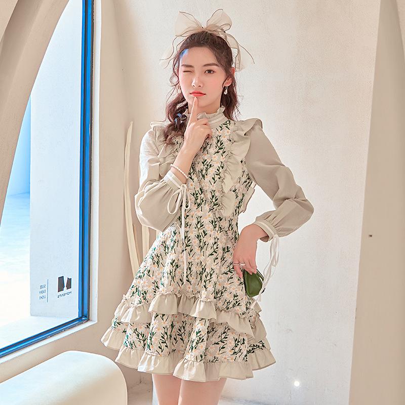 高腰荷叶木耳边少女洛丽塔田园浪漫甜美刺绣雏菊蛋糕连衣裙66445