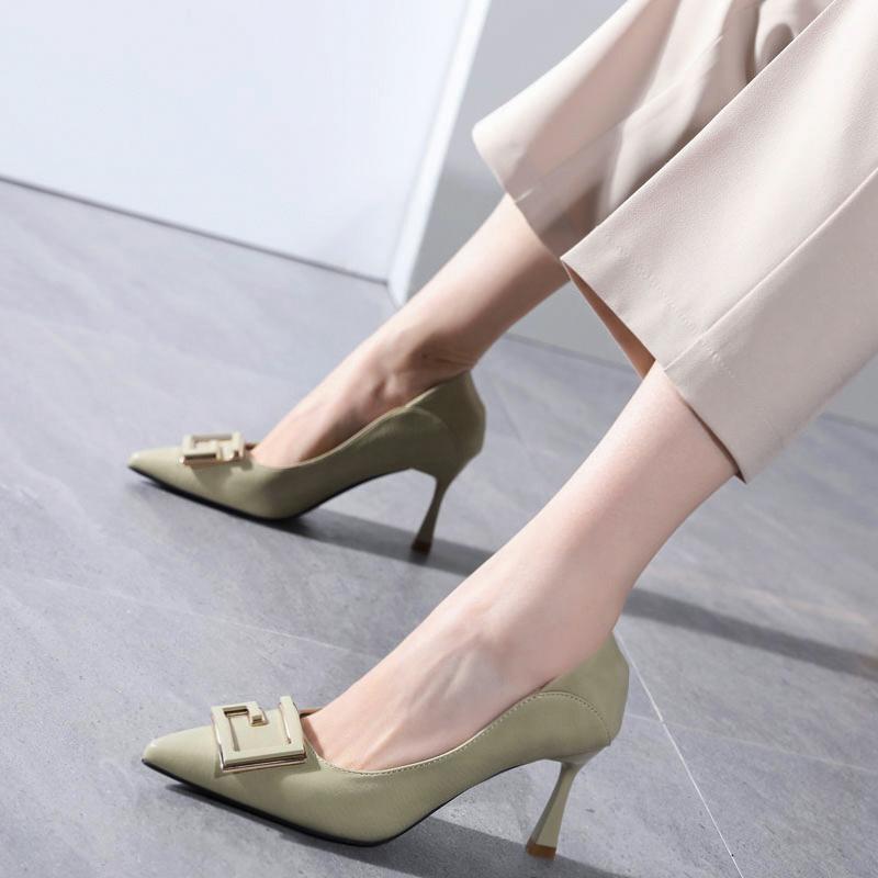 浅色方扣高跟鞋女春秋2020年新款细跟小跟鞋网红软皮尖头单鞋百搭图片