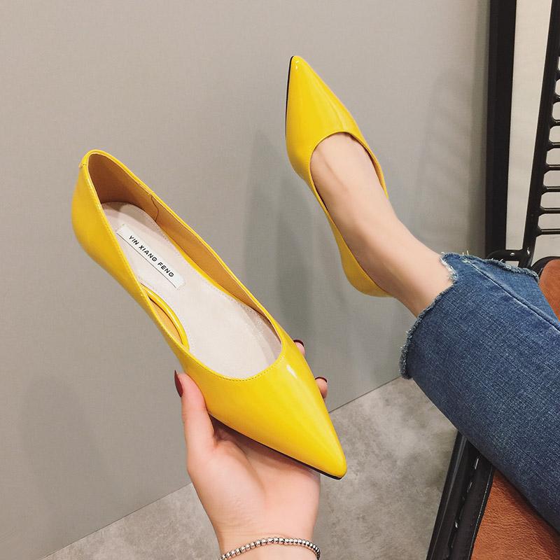 黄色女网红糖果色漆皮浅口45平底鞋