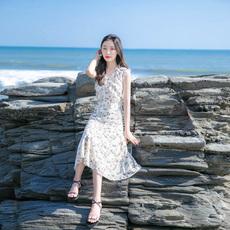 2020夏季新款海边度假沙滩裙复古气质碎花长裙V领雪纺无袖连衣裙