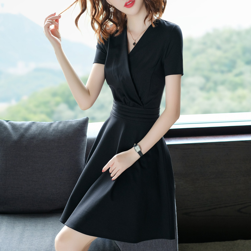 黑色连衣裙正式场合2019新款女夏装V领女士中长修身显瘦气质裙子
