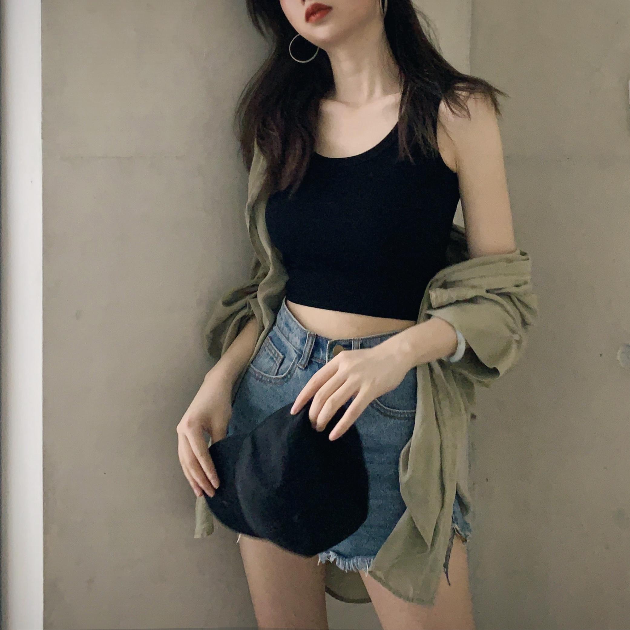 上衣女2019新款黑色泫雅短款吊带背心女秋打底衫内搭夏外穿露脐潮13.79元包邮