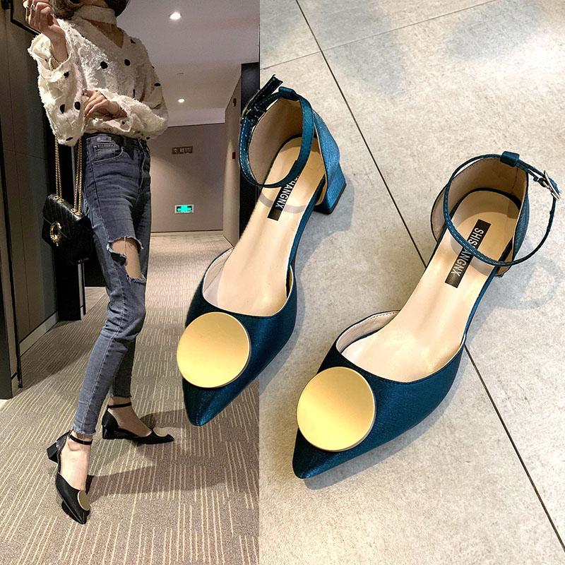 网红高跟鞋女2019春夏季新款女粗跟单鞋韩版一字扣中跟尖头皮鞋女