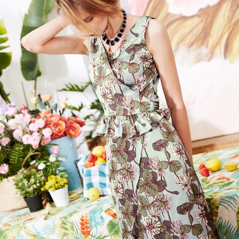Spring / summer 2020 new Ruffle fake two piece slim print fashion V-neck sleeveless Jumpsuit
