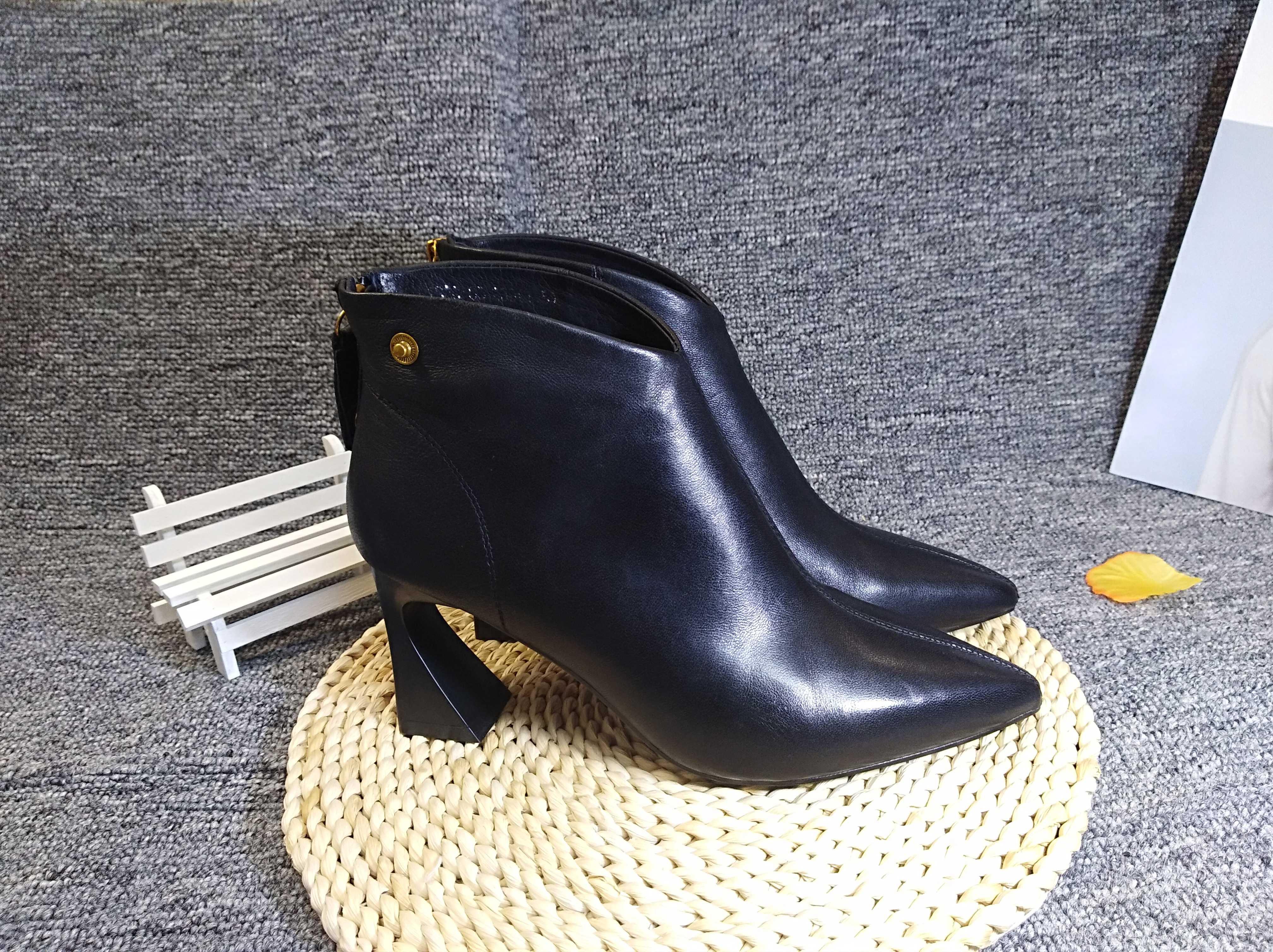 欧洲站2019秋冬新款高跟个性粗跟裸靴尖头时尚短靴女鞋真皮后拉链