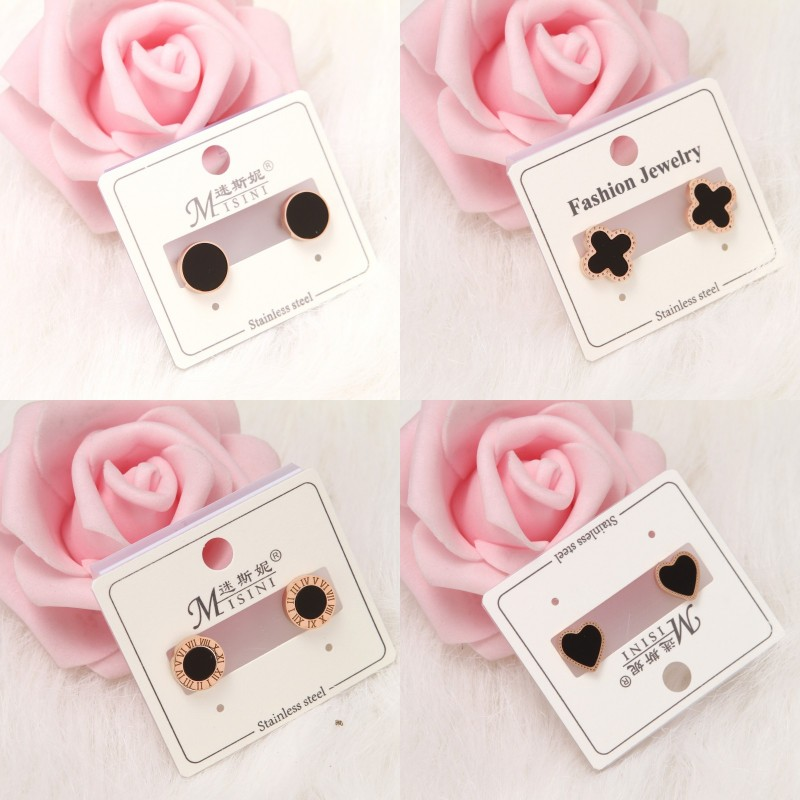 Black Earrings temperament black Earrings 2019 new chaowanghong foreign style four leaf clover, exquisite, simple and cool style