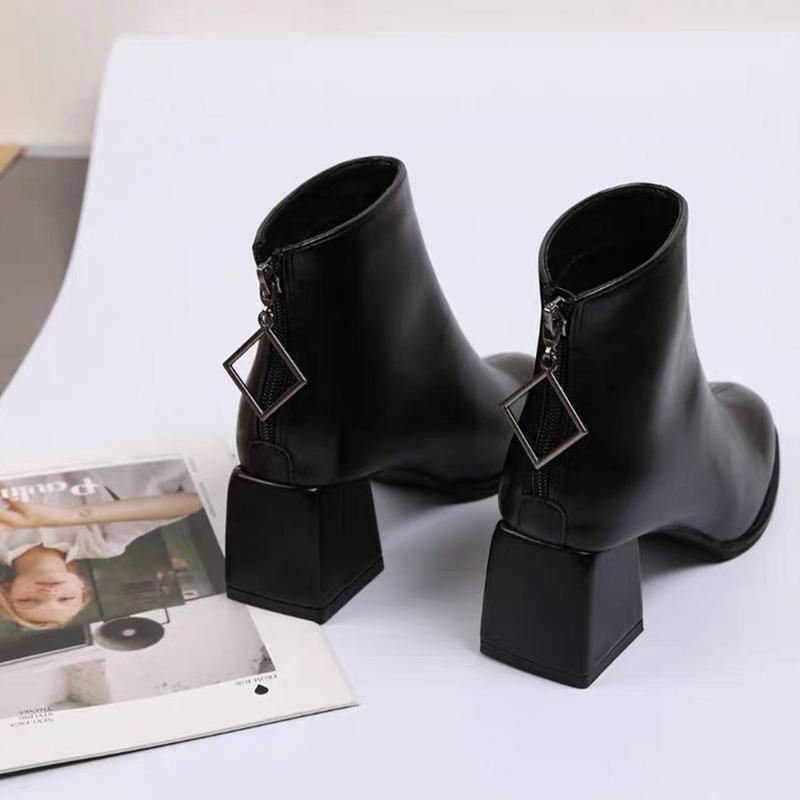 女鞋41高跟马丁靴女粗跟方跟大码3334短靴女秋冬季加绒配大衣新款