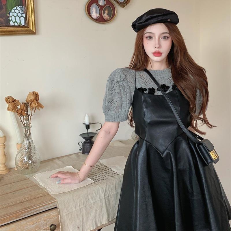 实拍黑色吊带皮裙女法式复古镂空露腰连衣裙收腰炸街气质裙子o252