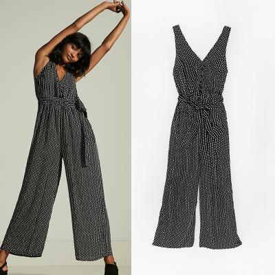 Type collection summer free and unrestrained black and white wave point beach travel womens one piece pants sleeveless Jumpsuit
