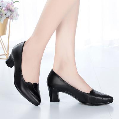 011妈妈中年女鞋四季单鞋女高跟鞋中跟粗跟舒适软皮工作鞋