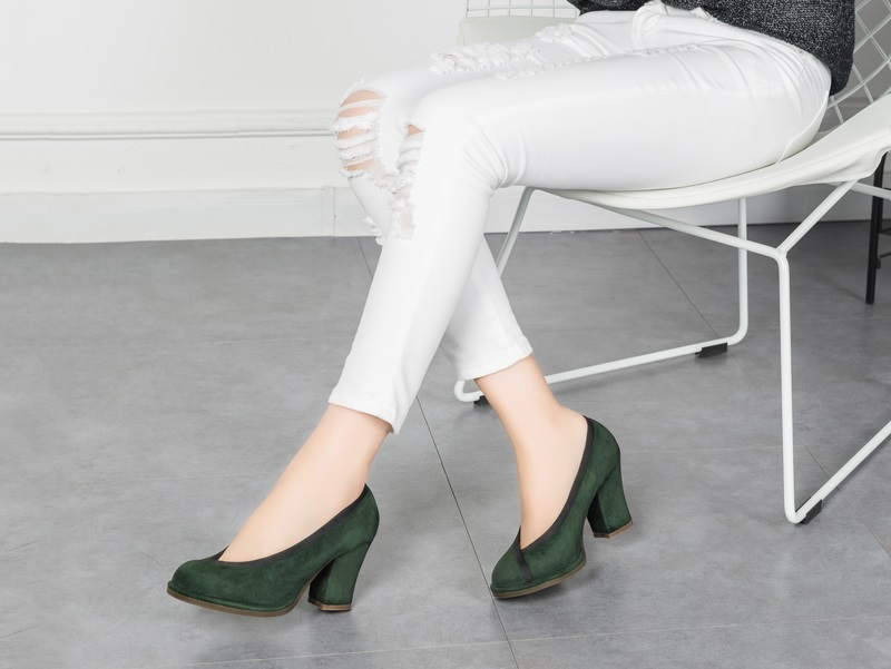 Creative es retro soft leather granny shoes womens thick heels high heeled shoes in national fashion