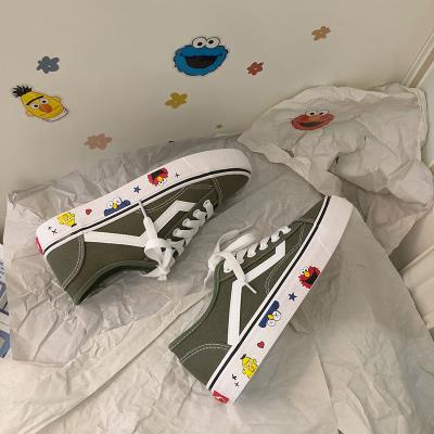 Canvas shoes, womens low top printing, Korean version, sun series graffiti, net red flat sole, junior high school students shoes, all kinds of small womens shoes with feet showing