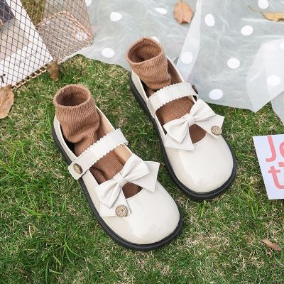 森ガールの日は小さい革靴の女性の韓版の百がLolita JK柔らかい妹のかわいい学生の復古の単靴の2020春夏に乗ります。