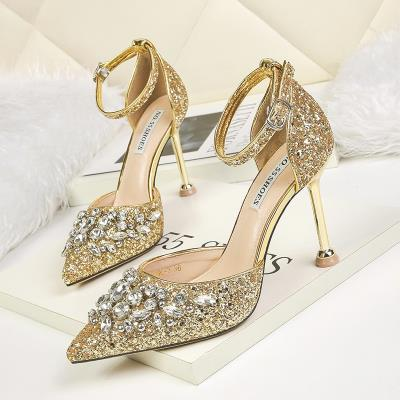 New style with 2019 crystal wedding brides single shoe slice thin water one line gold diamond high heel shoes with bright pointed buckle