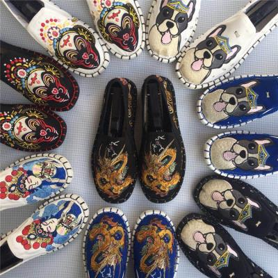 Fashionable mens single shoes can be used with new pattern womens shoes, mens embroidered cloth shoes, breathable womens face canvas shoes