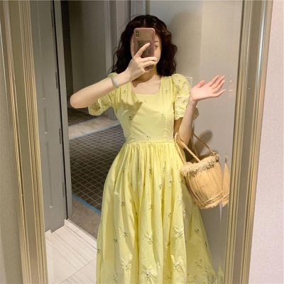 Spring and summer 2020 new dress fairy super immortal French style retro Platycodon temperament waist smart smoked skirt holiday trend