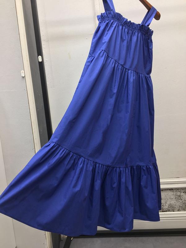 吊带露肩荷叶边连衣裙女夏冷淡风超仙蓝色宽松显瘦气质长裙沙滩裙(用1元券)