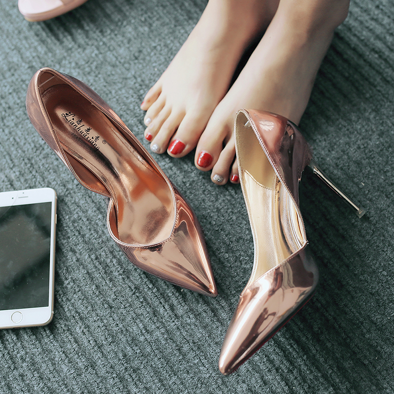 Spring new sandals pointed high heeled shoes slim heel side empty European and American Silver womens shoes light mouth champagne medium heel shoes