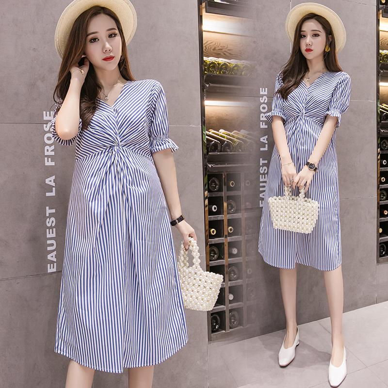 孕妇连衣裙夏装时尚款2020新款 韩版V领条纹裙子中长款宽松孕妇裙