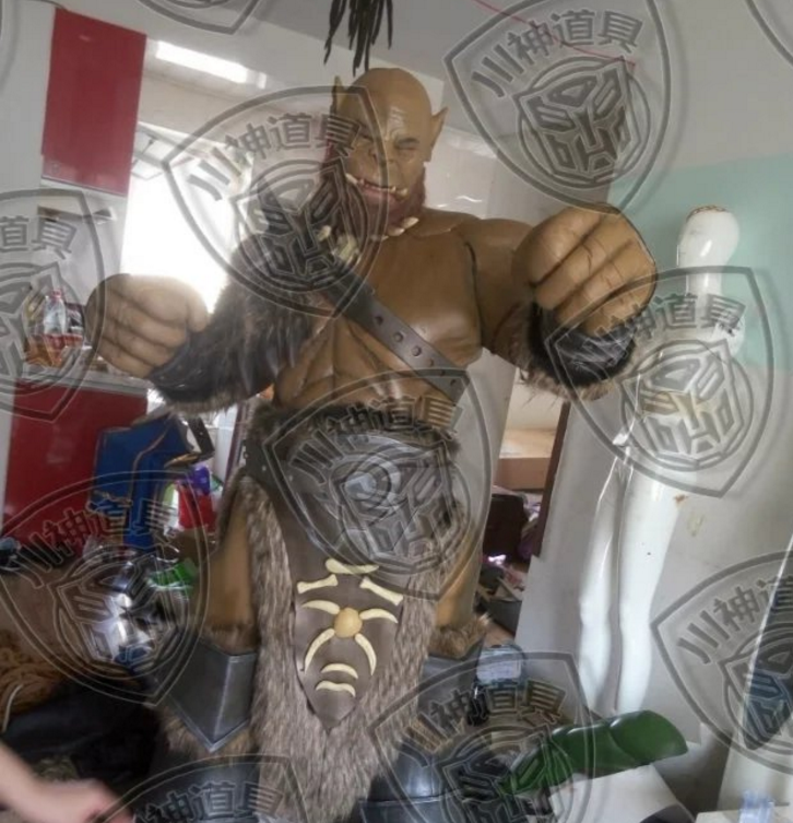 Off the shelf / world of Warcraft wow / 2-meter-high Orc Orgrim hammer of destruction Cosplay performance costume Road